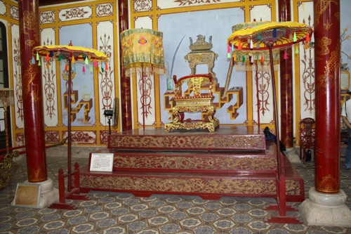 Throne in Hue