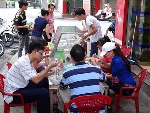 Vietnamese treet food stall